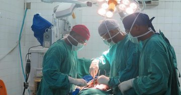 Local doctors trained in Minimally Invasive Surgery technology